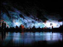 Una cueva que parece un paisaje onírico (China)