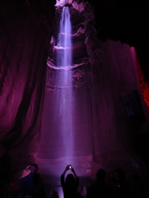 Una cascada subterránea de 45 metros de altura (Estados Unidos)