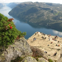 Una plataforma de roca gigante (Noruega)